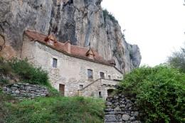 1324 - RAVISSANTE ET RARE  MAISON TROGLODYTE , AUX ENVIRONS DE FIGEAC (LOT)
