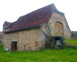 966 -  GRANGE ET BATISSE QUERCYNOISE A RENOVER PROCHE DE FIGEAC (LOT)