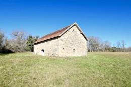 1164 - GRANGE EN PIERRES A RENOVER AVEC PLUS DE 2 HA , AUX ENVIRONS DE FIGEAC (LOT)