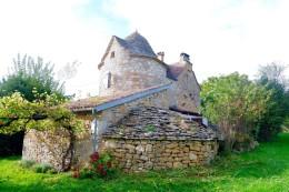 1340 - MAISON DE CHARME  AVEC PIGEONNIER TRES PROCHE DE FIGEAC (LOT)